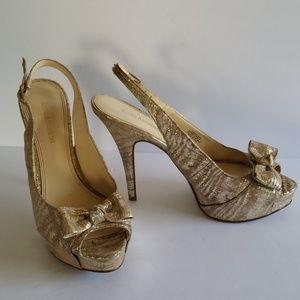 Enzo Angiolini gold heels 8